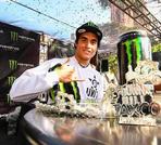 Adolf Silva gewinnt den Best Trick Contest beim Urban DH Race in Taxco, Mexiko