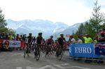 Simon Yates kämpfte zwei Wochen erfolgreich um seine Führung im Gesamtklassement. Mit drei Etappensiegen baute er seine Führung auf den Titelverteidiger Dumoulin aus. (Foto: Sirotti)