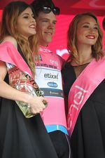 Jungels bleibt im maglia rosa. Bild: Sirotti