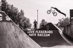 Klare Ansage auf der Rampe in Flensburg und auf dem Rad von Sebastian Herbst aus Magdeburg