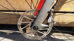Hydraulische Scheibenbremsen bieten eine bessere Bremsleistung bei geringerem Druck auf die Bremshebel.