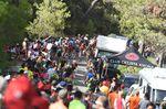 Für viele Fahrer war nach einer Hitzeschlacht der Anstieg Alto De Xorret De Cati eine harte Prüfung (Foto: Sirotti)