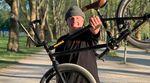 """Evan Brandes hat von Mankind Bike Co. ein neues Rad spendiert bekommen, das rund um die Sunchaser-Signatureline von Daniel """"Ralle"""" Juchatz aufgebaut ist."""