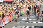 Der Sprint war nicht ohne seine Auseinandersetzungen unter den Fahrern....(Foto: Sirotti)