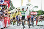 Peter Sagan (Bora-Hansgrohe) sprintet auf der 05. Etappe der 105. Tour de France zum Etappensieg. (Foto: © ASO)