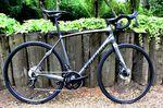 Das Specialized Roubaix ist ein Endurance-Bike mit dem Fokus auf Komfort.