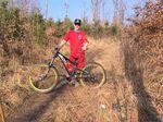 René ist Fahrtechniktrainer und so oft es geht selbst auf Downhill- und Enduro-Rennen unterwegs.