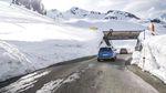 Die Kaunertaler Gletscherstraße war die ultimative Location, um die Fahrperformance des neuen Kia Sportage GT zu testen. credit: Steffen Vollert