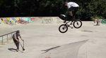 Felix Prangenberg zeigt in diesem Video ein paar Tricks und Lines an der Kölner Salatschüssel, die direkt aus Pumped BMX 3 zu stammen scheinen.