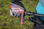 Die Bremse sollte so eingestellt sein, dass der Finger den Hebel möglichst weit außen greift und ihn auch gut erreichen kann.