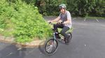 Was für eine Kämpfernatur! Neun Monate nach seinem Horrorsturz in Las Vegas hat Scotty Cranmer zum ersten Mal wieder eine Runde auf seinem BMX-Rad gedreht.