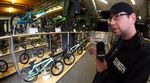 Bodo Hellwig stellt auf der European BMX Trade Show 2017 die neuen Kompletträder von wethepeople, Sunday Bikes und SIBMX vor.