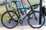 Der schwarze Bianchi-Specialissima-Rahmen ist ein wenig leichter als die Ausführung in legendärem Celeste.