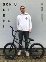 Kai Schulte-Lippern, der Schreck aller Kölner Gaps und Treppensets, ist ab sofort für Radio Bikes unterwegs. Herzlichen Glückwunsch!