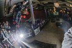 Mit diesem Trick hat Tobias Freigang den Best-Trick-Contest der Pros gewonnen: Footjam auf der Eisenstange hinter der Quarter
