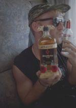 und albanischer Cognac