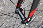 Das Bike ist mit einer Shimano Dura-Ace Di2-Gruppe und im Moment unseres Besuchs mit Shimano Dura-Ace C50-Laufrädern ausgestattet.