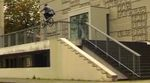 In diesem Video von Slaytanic mangelt es nicht an guten Clips, aber das Highlight ist ohne Frage der Ender. Backflip an einem Bürgersteig? Wicked!