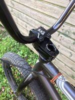 Alessandro Izzo ist neu auf Verde Bikes und Erigen BMX