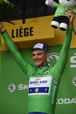 Marcel Kittel holt sich mit seinem 10. Etappensieg das grüne Trikot. Der Sprinter war im Ziel sichtlich überwältigt. (Bild: Sirotti)