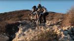 Auf einem BMX-Rad mit Seitenwagen einen Mountainbiketrail runterfahren? Warum nicht? Dylan Stark und seine Freunde lieben schließlich bescheuerte Ideen!