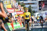 Geraint Thomas (Team Sky) gewinnt die 12. Etappe der 105. Tour de France auf Alpe d