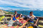 Mittagspause am Rifugio Passo Feudo, Latema – Credit: Archivio Foto Trentino Sviluppo - R. Kiaulehn