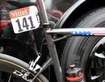 Die meisten BMC-Fahrer, wie auch Tejay Van Garderen fahren das BMC TeamMachine SLR01. Eine Alternative wäre das TimeMachine TMR01. Der Rahmen des TeamMachine wiegt 790g und das Modell wurde letztes Jahr vorgestellt.