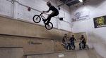 Drew Bezanson hat vor dem Pro Freestyle Contest in Den Haag im Skateland Rotterdam vorbeigeschaut. Hier ist das Video von der Session.