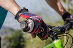 Unterarm und Bremse bilden möglichst eine gerade Linie