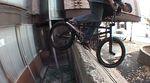 Der österreichische BMX-Enthusiast und -OnDaniel Juritsch hat sich im Auftrag von etnies auf den Straßen von Ljubljana (Slowenien) rumgetrieben.