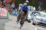 Es gab kein Halten mehr: Der junge Russe stürmte zum Sieg und sicherte seinem Team den ersten Etappensieg einer Grand Tour. Foto: Sirotti