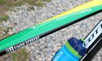 Gerrans Bike-Design wird von den australischen Landesfarben dominiert. Außerdem finden wir sein persönliches Logo auf dem Oberrohr.