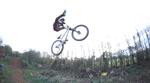 """Dass Phil Atwill über unverschämt viel Radkontrolle verfügt, ist kein Geheimnis. In diesen Videos geht er zur Abwechslung mal auf einem 26"""" Hardtail steil."""