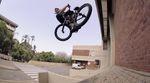 Eine Runde Steez aus Südafrika gefällig? Dann hätten wir hier ein Video von Colin Loudon für BMX Direct, das ist nämlich voll damit.