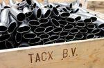 Der Philosophie alles im eigenen Hause zu fertigen folgend, bezieht das Unternehmen sogar den für die Produktion von Heimtrainern benötigten Stahl von anderen niederländischen Unternehmen.