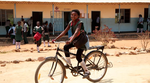 Ein Fahrrad verkürzt den stundenlangen Schulwege enorm