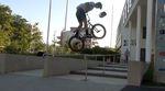 """Lubos Durchan hat sich für seinen """"Welcome to 360 Grad Sportshop""""-Video vor dem Corona-Lockdown ausgiebig auf den Straßen von München rumgetrieben."""