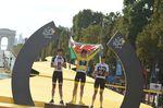 Das Podium der 105. Tour de France: Geraint Thomas (Team Sky), Tom Dumoulin (Team Sunweb) und Titelverteidiger und vierfacher Sieger Chris Froome (Team Sky). (Foto: Sirotti)