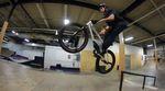 Anstatt epischer Streetspots in Kalifornien zerlegt Mike Gray in diesem Video ausnahmsweise mal ein paar Rampen – und zwar die des Joyride 150 Bike Parks.