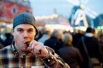 Saure Gurken zum Dessert: Bene von Lewen auf dem Freimarkt in Bremen