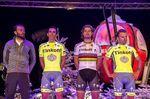 Tinkoffs Team-Trikot ist größtenteils unverändert geblieben. Lediglich der ehemaliger Co-Sponsor, Saxo Bank, musste weichen. Peter Sagan hat sein Weltmeister-Trikot mit einer schwarzen Hose kombiniert. (Foto: Bettini Photo)