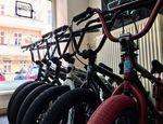 Der kunstform BMX Shop Berlin bietet eine große Auswahl hochwertiger BMX-Räder an