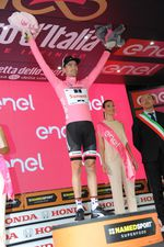 Tom Dumoulin führt weiterhin in der Gesamtwertung.