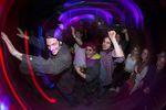 Partypeople auf dem Weg nach Blankenese; Foto: Fabio Craco