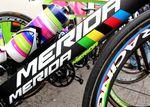 Costa startete die Saison auf Meridas Aero-Bike Reacto EVO wechselte zur Tour aber auf das Reacto KOM. Das Reacto KOM hat die gleichen Aero-Profile wie das EVO, ist aber leichter.