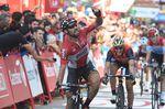 Thomas De Gendt gewinnt die 19. Etappe. Chris Froome bleibt weiterhin in Führung und liegt 1:34 vor dem Gesamtzweiten Vincenzo Nibali. (Foto: Sirotti)