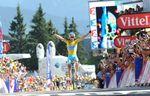 13. Etappe - Erneut ist es Vincenzo Nibali (Astana Pro Cycling) mit der größten Courage. Auf der Etappe zwischen Saint-Etienne und Chamrousse ist es der bärenstarke Italiener, der am 18km langen Schlussanstieg alles hinter sich lässt und den Grundstein seines Gesamtsiegs legt. (Foto: Sirotti)