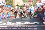 Trentin lieferte einen fehlerlosen Sprint und holte sich seinen dritten Etappensieg bei der Vuela a España 2017. (Foto: Sirotti)