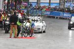 Rodic war einer der Fahrer, der sich zum Radwechsel vor dem Anstieg zum Ziel auf dem Berg Floyen entschloss. Er war am Berg um fünf Sekunden schneller als Dumoulin, aber im ganzen konnte keiner dem Niederländer das Wasser reichen. (Foto: Sirotti)